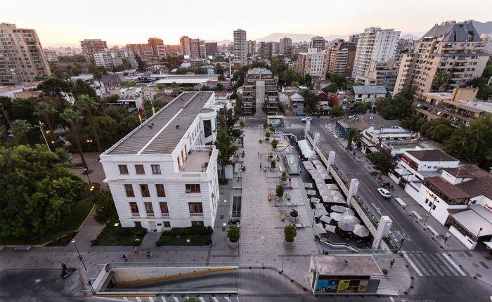Boulevard y estacionamiento Plaza Ñuñoa